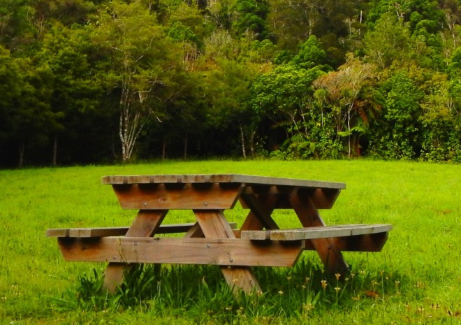 outdoor-table-main